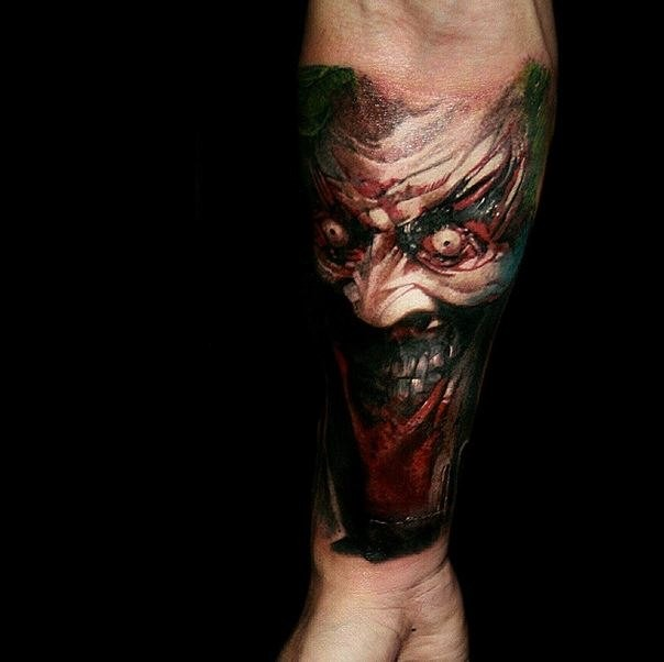 colored_horror_style_creepy_looking_forearm2.jpg